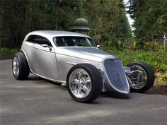 1933 FORD SPEEDSTAR CUSTOM 2 DOOR COUPE