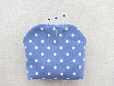 Sew cute mini purse with clasp. Coin Purse Pattern, Coin Purse Tutorial, Wallet Tutorial, Wallet Pattern, Tote Pattern, Diy Bags Purses, Diy Purse, Small Pouch Diy, Sewing Tutorials