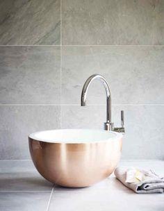 tendance salle de bain vasque poser ronde cuivre