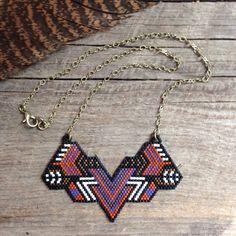 Hannahannas... rocaille perle collier, au point de brique, cousues à la main, fait à la main, pièce unique, perles, tribal