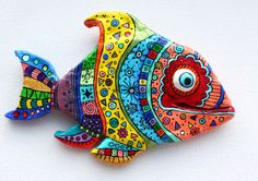Cool fish made of polymer clay click the image or link for more info. Polymer Clay Fish, Polymer Clay Kunst, Polymer Clay Projects, Clay Crafts, Arts And Crafts, Cool Fish, Paperclay, Colorful Fish, Clay Animals