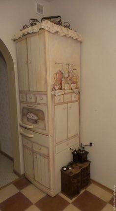 Купить или заказать Роспись моего холодильника:) в интернет-магазине на Ярмарке Мастеров. Роспись моего холодильника, теперь это бабушкин шкафчик с вишневым пирогом, баночками варенья и моими любимыми чайничками, также я декорировала верх холодильника настоящими прованскими кружавчиками в тон интерьера кухни:)) На последнем фото холодильник до…