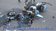 Schianto in strada, un poliziotto resta gravemente ferito. Forza Giancarlo, tifiamo per te! - http://www.sostenitori.info/schianto-strada-un-poliziotto-resta-gravemente-ferito-forza-giancarlo-tifiamo/277272