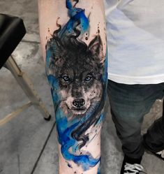 Wolf tattoos are still one of the most popular tattoo ideas for men. Wolf tattoos have many meanings. Some men choose wolf tattoos because they symbolize strength, freedom and the instinct of primitive animals Wolf Tattoo Design, Forearm Tattoo Design, Cool Forearm Tattoos, Body Art Tattoos, New Tattoos, Tatoos, Awesome Tattoos, Tatuajes Tattoos, Latest Tattoos