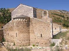 Bussi sul Tirino S Maria di Cartiganano ( Pescara ). Costruita fra l'XI e il XIV secolo