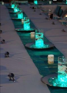 Glowing Turquoise Wedding Centerpieces love this Wedding Table, Diy Wedding, Dream Wedding, Wedding Day, Trendy Wedding, Wedding Veils, Spring Wedding, Wedding Ceremony, Wedding Stuff