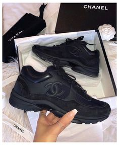Chanel Tennis Shoes, Dr Shoes, Chanel Sneakers, Hype Shoes, Sneakers Fashion, Fashion Shoes, Fashion Black, Channel Shoes, Aesthetic Shoes