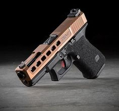 Zev Tech Glock 19 Glock Guns, Weapons Guns, Guns And Ammo, Custom Glock 19, Custom Guns, Airsoft, Cool Guns, Big Guns, Shooting Guns