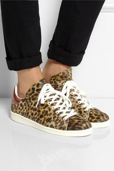 Adidas Stan Smith ersatz by Isabel Marant bart sneakers Leopard Sneakers, Retro Sneakers, Nike Fashion, Sneakers Fashion, Air Max Classic, Baskets, Nike Headbands, Sneak Attack, Kobe Shoes
