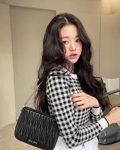 My Girl, Cool Girl, Selfies, Yu Jin, Fashion Show, Fashion Outfits, Kpop Fashion, Korean Fashion, True Beauty