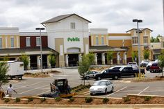 Publix Oxford location opening Feb. 27, grand opening freebies & more   PLUS -- Get my tips for shopping at Publix if you're new to the whole experience.     Also -- the first 25 customers to buy 50 bucks worth of groceries that day PRE COUPONS will get a free tote full 25 bucks worth of groceries!