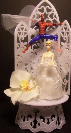 SPIDERMAN BRIDE & GROOM Wedding Cake Topper SUPER HERO | eBay   Keywords: #superheroweddings #jevelweddingplanning Follow Us: www.jevelweddingplanning.com  www.facebook.com/jevelweddingplanning/