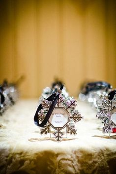 #SGWeddingGuide : Snowflakes winter wedding favor that doubles up as an seating escort card / place card.