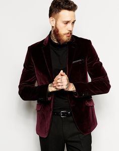 Shop River Island Velvet Plum Blazer at ASOS. Velvet Suit, Velvet Blazer, Velvet Jacket, Suede Blazer, Nye Outfits, New Years Eve Outfits, Vintage Man, Fashion Vintage, Cocktail Attire