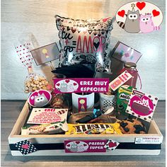 Valentines Day Baskets, Valentine Gifts, Birthday Gifts For Boyfriend, Boyfriend Gifts, 18th Birthday Cake For Girls, All You Need Is, Candy Bouquet, Love Is Sweet, Creative Gifts