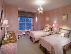 Little girls bedroom. Perfect design to grow from toddler to tween.