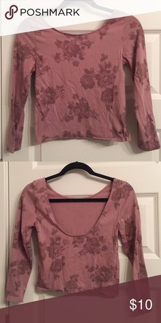 3/4 sleeve crop top 3/4 sleeve crop top with scooped back. Only worn once American Eagle Outfitters Tops Crop Tops