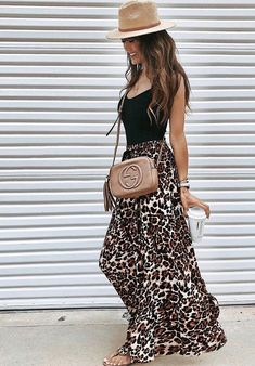 30 Stunning Summer Outfits To Wear Now what to wear with a maxi leopard skirt : straw hat black top slides beige bag Mode Outfits, Casual Outfits, Fashion Outfits, Stylish Summer Outfits, Long Skirt Outfits, Summer Outfits Women, Fashion Pants, Modest Fashion, Fashion Tips