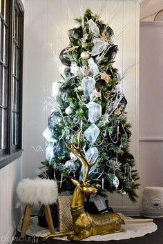 home-tour-christmas-tree-1