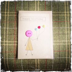 Birthday card made with buttons and brown Kraft card por buttonbaps