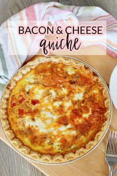 Looking for an easy Sunday lunch or brunch idea? This Easy Bacon Cheese Quiche is wonderfully delicious and easy to make! Delicious Breakfast Recipes, Brunch Recipes, Drink Recipes, Real Food Recipes, Cooking Recipes, Yummy Food, Bacon Dishes, Savoury Dishes, Easy To Make Breakfast