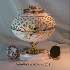 What a beautiful egg crafted by Ronnie Curran, 2012 Types Of Eggs, Incredible Eggs, Egg Shell Art, Carved Eggs, Lace Painting, Egg Designs, Egg Crafts, Faberge Eggs, Egg Art