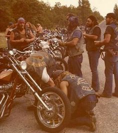 62 Ideas for chopper motorcycle hells angels guys Biker Clubs, Motorcycle Clubs, Motorcycle Style, Harley Davidson, Biker Photography, Kombi Motorhome, Old School Chopper, Chopper Motorcycle, Hells Angels