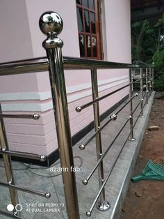 Steel Grill Design, Steel Railing Design, Stainless Steel Stair Railing, Stainless Steel Gate, Balcony Grill Design, Balcony Railing Design, Balustrade Inox, Iron Handrails, Serene Bathroom