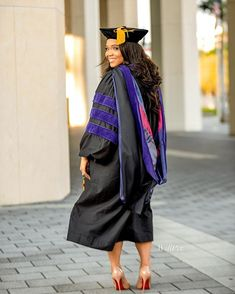 One journey ends where the next one begin- .  @_willpix @willpix_studios . @chanaelavette . #willpix#miamiphotographer#travelphotographer#miamiphotoshoot#graduationphotoshoot#blackgirlsgraduate#blackgirlsrocks#proudblackwoman#gradsession#gradphotos#miamiphotostudio