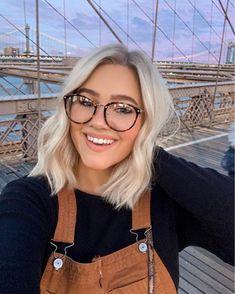 Blonde Hair Looks, Brown Blonde Hair, Dark Hair, Short Blond Hair, Short Blonde Balayage Hair, Platnium Blonde Hair, Short Light Brown Hair, Short Platinum Blonde Hair, Platinum Bob
