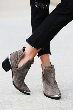 Yessssss get on my feet. Jeffrey Campbell Hunt The Plains Boots