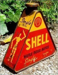 Vintage Oil Cans, Vintage Bottles, Vintage Tins, Old Gas Pumps, Vintage Gas Pumps, Vintage Advertising Posters, Vintage Advertisements, Advertising Signs, Old Gas Stations