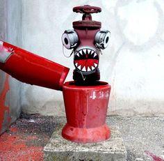20+ Cool Street Art Works by OaKoAk   1 Design Per Day