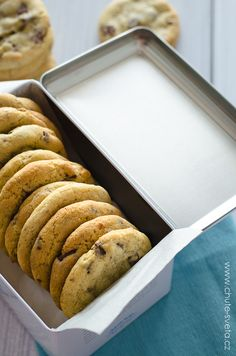 americké čokoládové cookies Thing 1, Food And Drink, Sweets, Bread, Cookies, Blog, Basket, Crack Crackers, Gummi Candy