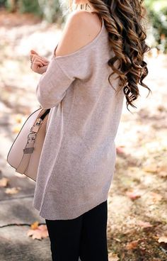 #fall #outfits · Oversized Sweater // Tote Bag // Skinny Jeans