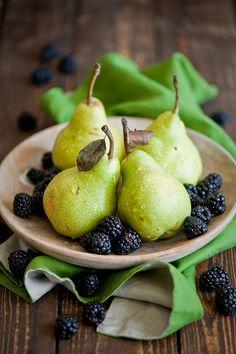 Food | Nourriture | 食べ物 | еда | Comida | Cibo | Art | Photography | Still Life | Colors | Textures | Design |  blackberries and pears