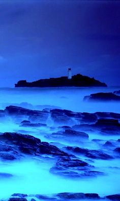 Ice Storm on the Sea Beautiful World, Beautiful Places, Beautiful Pictures, Great Places, Places To See, Rhapsody In Blue, Wild Weather, Ice Storm, Cornwall England