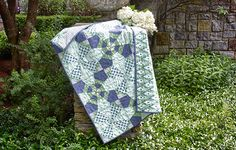 Free piecing and patchwork quilting pattern using Heather Bailey's Momentum cotton fabric collection from FreeSpirit Fabrics