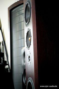 Accustic Arts Concerto MKII   Nur wenige Exemplare der Concerto wurden auf dem europäischen Markt verkauft, der Großteil ging in den asiatischen Raum. Sehr hochwertig aufgebauter und mit edelster Technologie versehener  180cm hoher und 90kg schwerer Standlautsprecher des deutschen Herstellers Accustic Arts. Accustic Arts - cjm-audio High End Audiomarkt für Gebrauchtgeräte