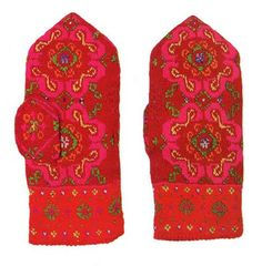 FolkCostume&Embroidery: Knitted Mittens of Nica, Kurzeme province, Latvia Fair Isle Knitting, Knitting Yarn, Hand Knitting, Knit Mittens, Mitten Gloves, Stitch Patterns, Knitting Patterns, Folk Clothing, Yarn Inspiration