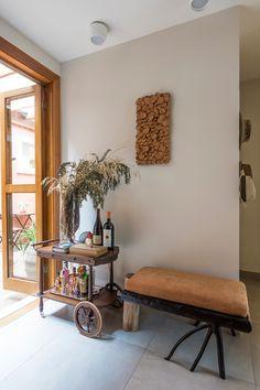 Open House Bruna Lucchesi | Casa de Valentina Gazebo, Open House, Entryway Bench, House Tours, Living Room Designs, Architecture, Furniture, Bar Cart, Home Decor