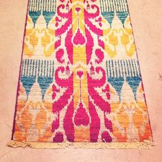 This ikat runner screams Spring...Gorgeous Colors!