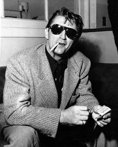 chaboneobaiarroyoallende: Robert Charles Durman Mitchum (1917-1997)…actor, cantante, compositor