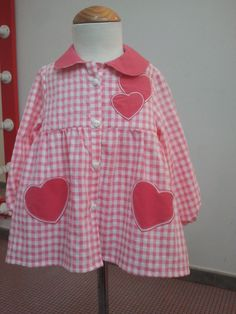 """HEARTS"" PINK Blouse Ecole, Girls Dresses, Summer Dresses, Blue Rooms, Baby Dress, Polka Dot Top, Kids Girls, Womens Fashion, Pink"