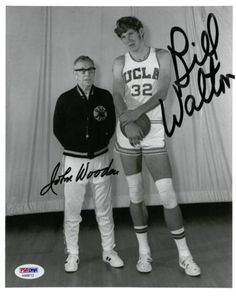 John Wooden/Bill Walton Signed Authentic Autographed 8x10 Photo PSA/DNA #AA09712