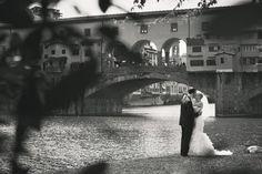 Florence wedding – Ponte Vecchio - Italian Wedding Photographer Jules Scatto scelto da #GoldenTowerhotel #Hotel #Golden #Florence #Firenze #Italy #luxury #photo #travel #places #wedding #lifestyle
