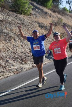 "Regulo and Laura Zapata running the #HalfMarathon 13.2 miles during ""City to The Sea"" in California-USA. Oct 2015."