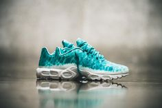 La TN stayed one of the most renowned silhouettes of the and has made a  small come back this year with today the Nike Air Max Plus GPX Swimming  Pool.