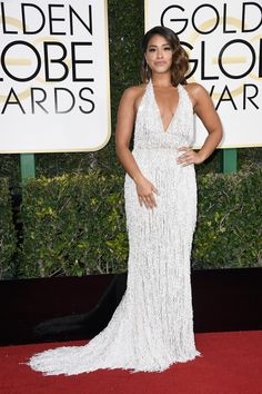 Gina Rodriguez in a Naeem Khan dress || Golden Globes 2017