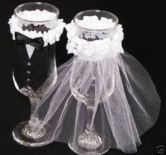 DIY Wedding Champagne Glasses | Wine Glass Centerpieces